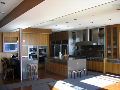 SS kitchen with laminated post - Malibu