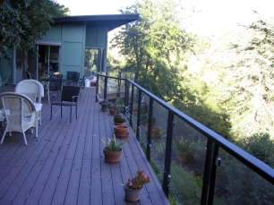 Steel railing with glass panels - Beverly Glenn